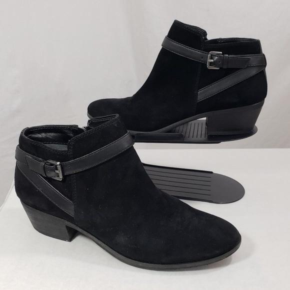 b6bf07a7e Sam Edelman Pirro Ankle Strap Booties Suede Black.  M 5bc7bb547386bc19d9c5963c